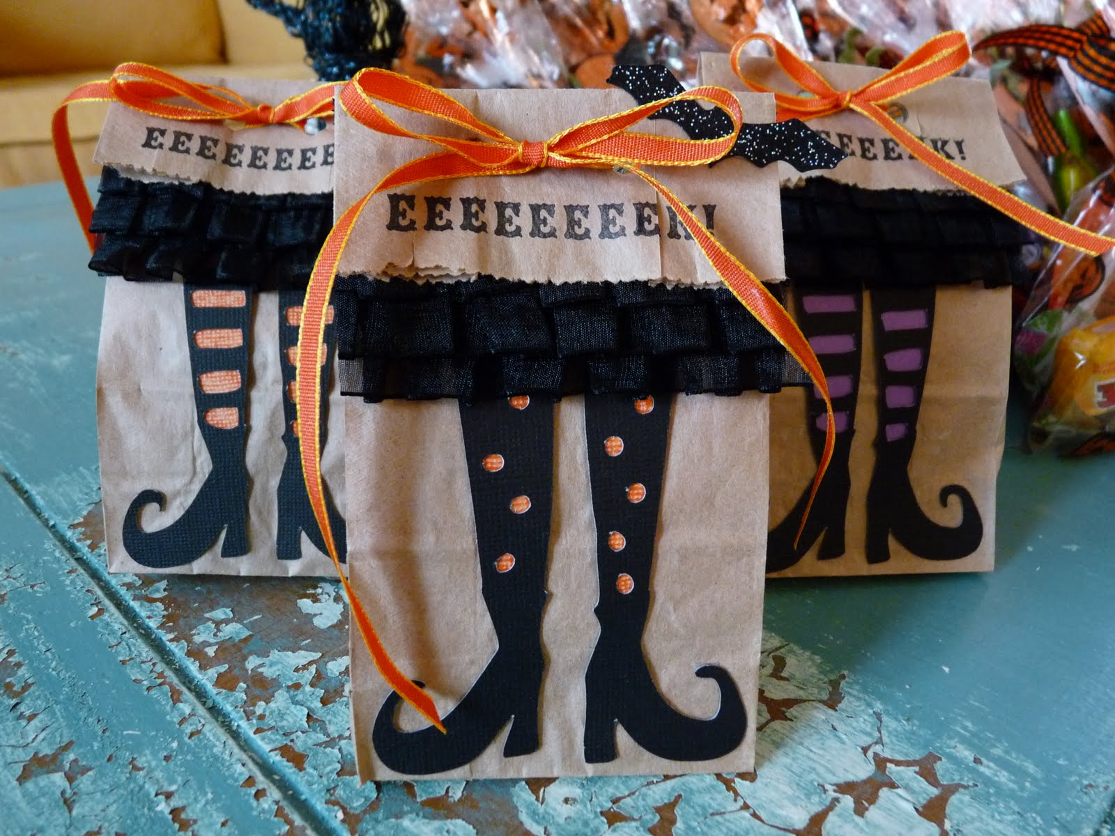 halloween goody bags & treats for adults | tellwut