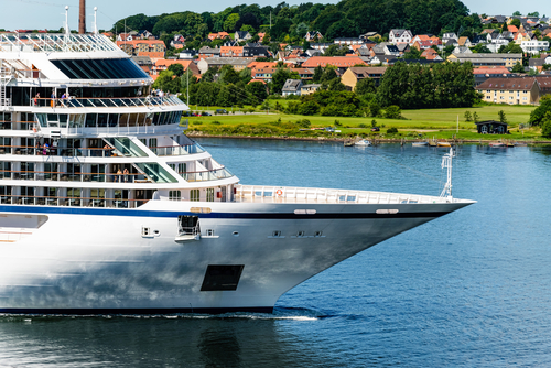 Cruise Ship Bans Late Night Parties Tellwut Com