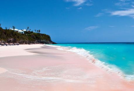 The idyllic Pink Sand Beach of Harbour Island, in the Bahamas is pigmented by washed-up coral remnants, which are dashed and ground to tiny pieces by the surf. Although the most famous one, it is not the only pink sand beach in the world. Have you been to any of these ink sand beaches?