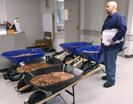 A Virginia man used 300,000 pennies to pay sales tax on two cars at the Department of Motor Vehicles. The Bristol Herald Courier reports that Nick Stafford delivered five wheelbarrows full of change, mostly pennies, at the DMW office in Lebanon, Virginia, on Wednesday. The coins weighed in at 1,600 pounds. Are you familiar with this news story?