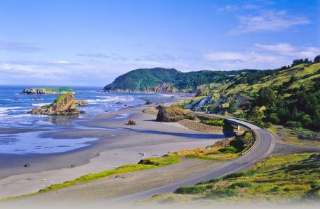 Highway 101, Oregon---You can't visit the West Coast without driving down the 101. This coastal drive takes you along over 300 miles of beaches with breathtaking views.