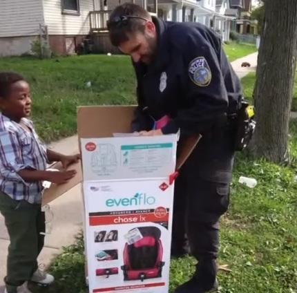 Instead of punishing Andrella with a ticket, he decided his time was better spent helping her. Zimmerman stopped at Walmart, then made a trip to Andrella's house… two brand new car seats in tow! Have you heard of a police officer going above and beyond to help someone - perhaps even spending his/her own money to do so?