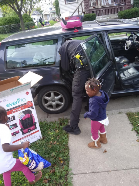 Rather than just delivering the car seats, Zimmerman installed them into Andrella's vehicle himself to make sure they were secure and safe. The kids couldn't stop thanking him for his kindness and made him smile the entire time. Have you ever had your spirits lifted by a child?