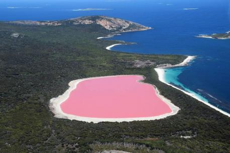 Lake Hillier, Australia: Have you ever visited this unusual place?