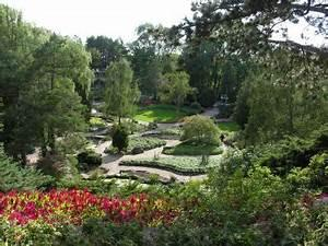 Canada's largest botanical garden is