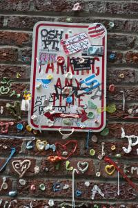 Besides gum, people leave pictures, business cards and other mementos. Some pieces of gum were shaped into hearts and messages. Tourist Katri Mattsson said the gum wall was