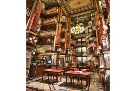 Iowa: The Iowa State Law Library - The Iowa State Law Library is located in the Capitol building in Des Moines. Have you ever visited this library?