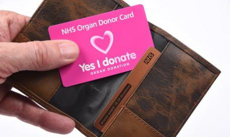 France has just passed a law making all French citizens automatic organ donors. Starting January 1st, if French citizens do not want to be organ donors, they must sign up to a new National Rejection Register to ensure they do not become organ donors, which medical teams will check at the time of death before considering organ or tissue removal. A total of 150,000 people have already signed up to the register. They can also express their wishes to family members. Do you think this is a good idea?